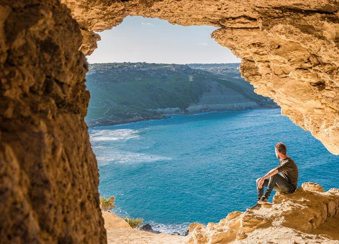 Utsikt från grotta på Gozo